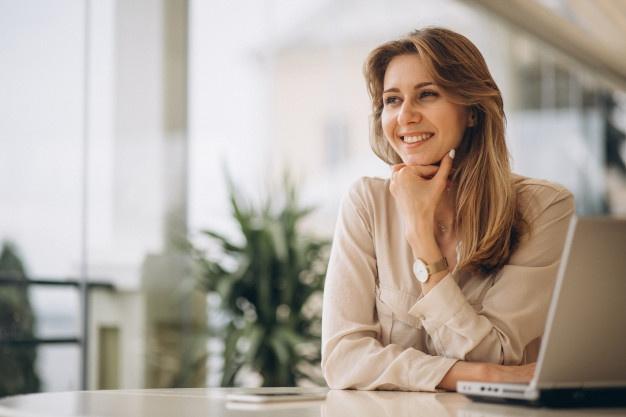 portrait-business-woman-working-laptop_1303-9731.jpg